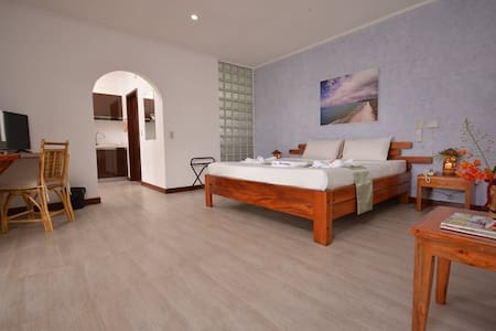 Munting Paraiso - Guesthouse
