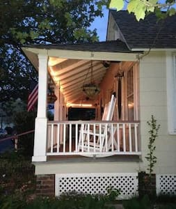 Bungalow by the Beach - Ocean Grove - Bungalow