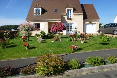 Illiers-Combray, ville de Marcel Proust - Illiers-Combray