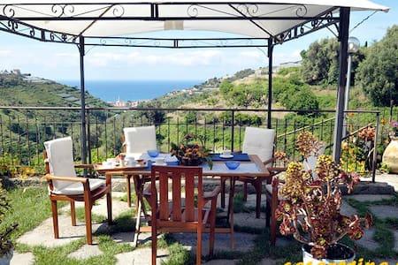 3 Appartementen met prachtig uitzicht op zee! - Flat