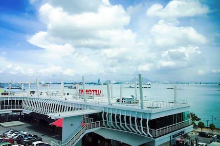 Seafront Ensuite Penang Georgetown - Wohnung