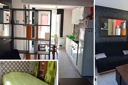 F2 CALME en rez de jardin(privé) dans maison - Chevigny-Saint-Sauveur