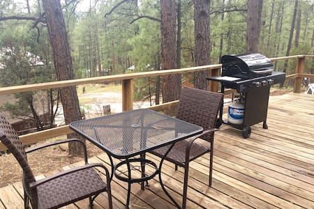 New wave B & B Cabin! - Ruidoso - House