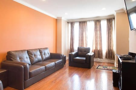 Couch or Air bed in living room - Chicago