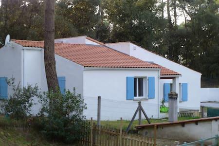villa au coeur de la foret tout prés de la plage - Meschers-sur-Gironde