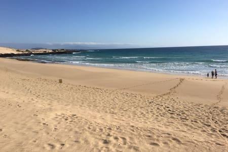 VERY NICE APARTMENT POOL WIFI SEA VIEW - Lejlighed