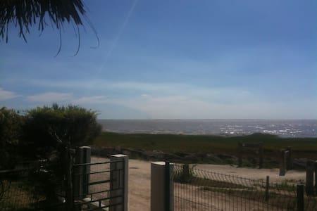 Maison avec vue sur Estuaire - Barzan