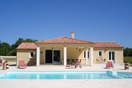 Villa piscine sans vis à vis - Deaux - Villa