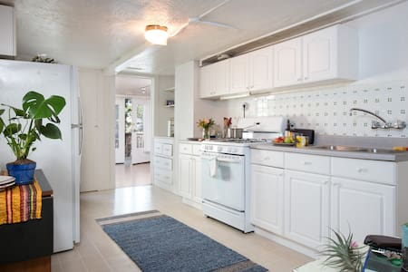 Cozy Cole Valley Studio Apartment
