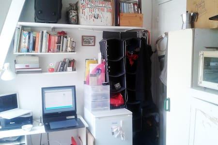 Maid's room near Mouffetard Street