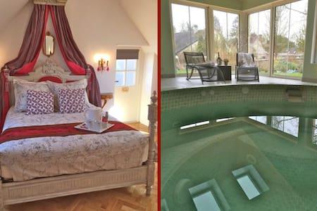 Maison Elincourt & SPA: Room Emily - Bed & Breakfast