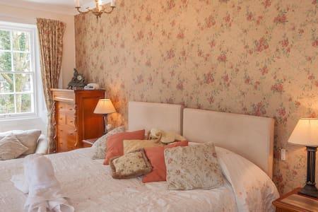 Master Bedroom DB/TW ensuite - Bed & Breakfast