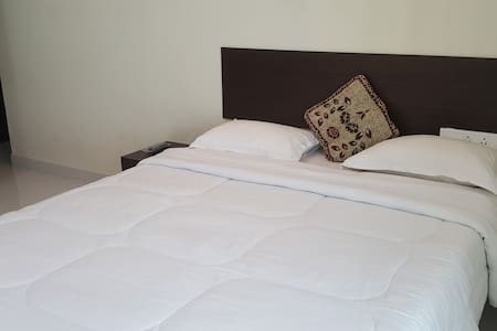 Service Apartment For Double Occupancy - Mumbai - Apartment