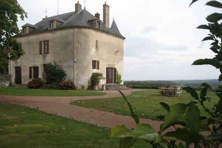 Chambre d'hôte dans un château (Br) - Champallement - Bed & Breakfast