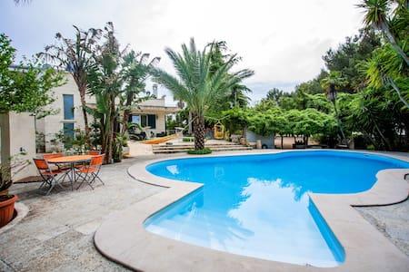 Mansarda in villa con piscina/parco - Villa