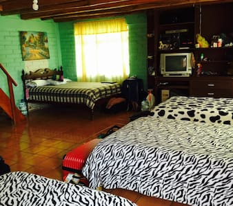 Alojamiento Quito - Szoba reggelivel