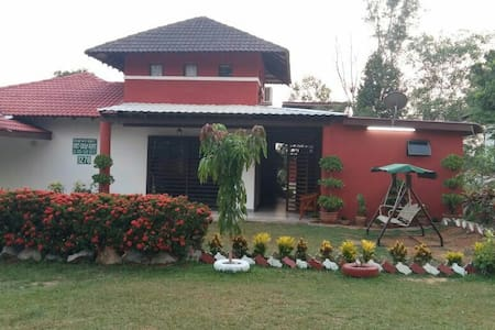 5 to 6 rooms villa @A'Famosa Resort - Alor Gajah