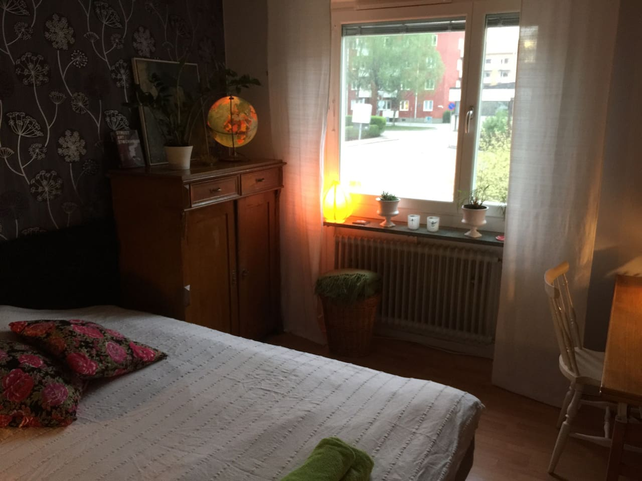 Quiet, central and affordable room