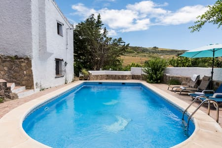 Rustic luxury villa with large pool - Periana - House