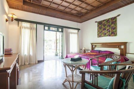Bali Sanur Guest House VILLA【RoomB】 - South Denpasar - Villa