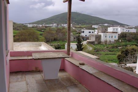 Σπίτι με κήπο στο χωριό - Dom