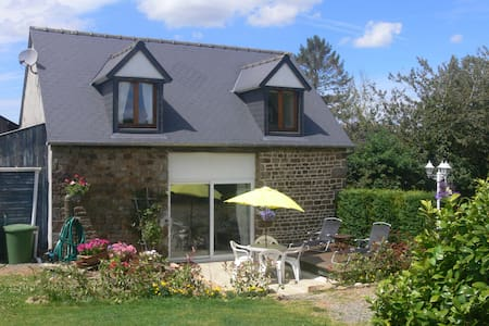 B&B with Pool Nr. Le Mont St Michel - Bed & Breakfast