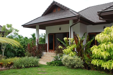 Villa Fon - 3 bed and communal pool - Chalong - Villa