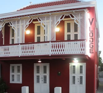 V-Lodge in the center of Curacao