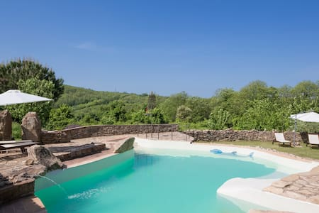 Wonderful Villa + Pool near Siena - Huvila