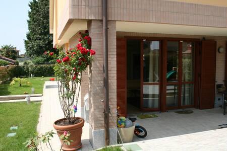Single room/entire property - Cerro maggiore - Byhus