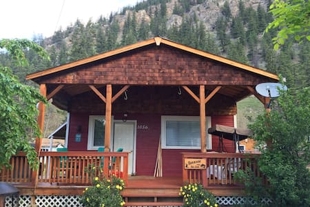 A Cabin in the Similkameen Valley - Cottage