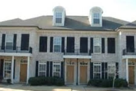 2BDR Townhouse Oxford, Ms