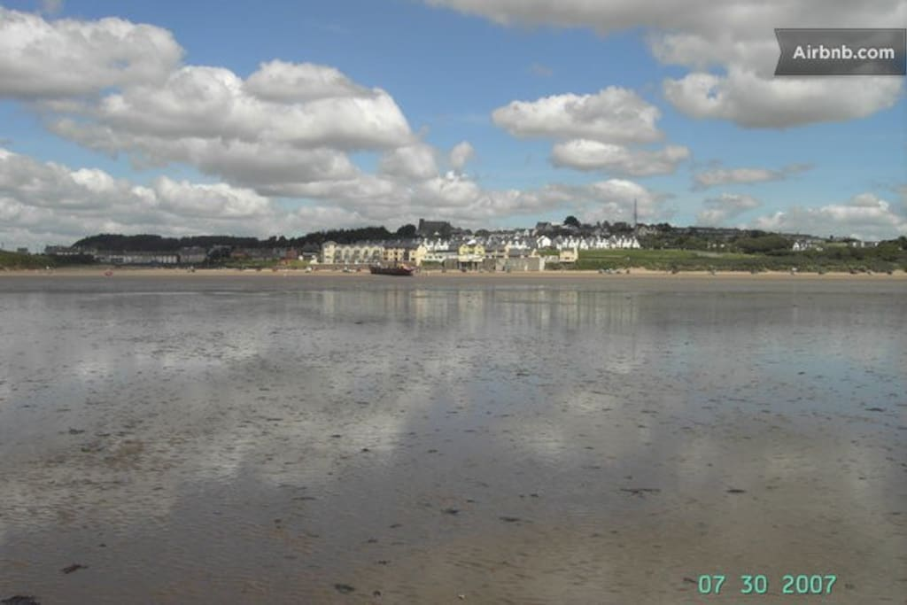 Duncannon beach at low tide.....what a great place to walk.