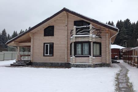 Сдаю новый дом из карельской сосны - Rumah
