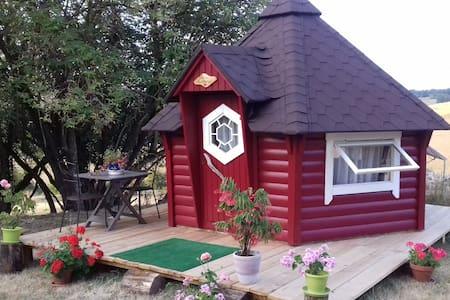 Dormir dans une cabane kota finlandaise,belle vue. - Kabin