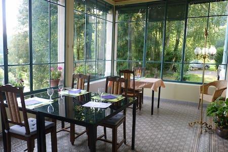 Chambre d'Hôtes et Table d'Hôtes - Bed & Breakfast