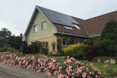 Midt i naturen skøn med udsigt! - Viborg - Villa