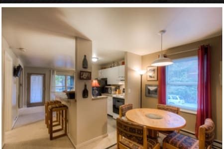 Awesome Two Bedroom Condo In Town - Condominium