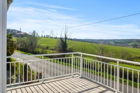 Country house with terrace & garden - Talo