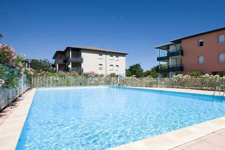 t3 dans une résidence avec piscine - Apartemen
