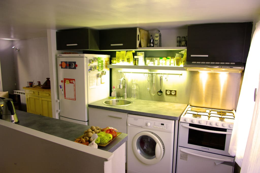 kitchen (oven, washing machine, etc.)