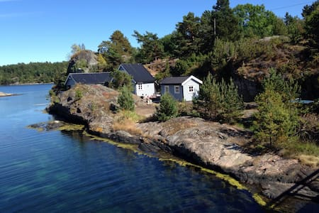 Cottage by the sea, good standard - Tvedestrand - Cabin