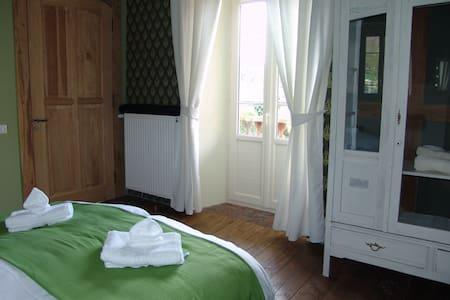 Le Buala, room Estive - Bed & Breakfast