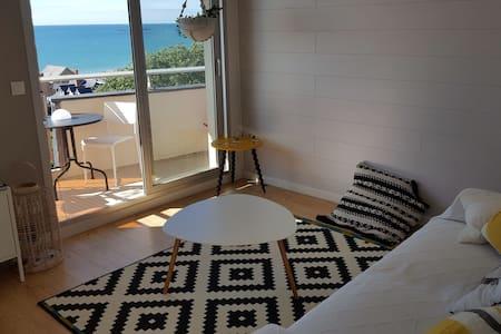 Appartement avec vue imprenable sur la mer. - Apartment