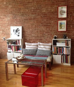 The loft is 1000 square feet, fully furnished, and has huge windows overlooking Chinatown. It's super clean, and fully renovated, with full kitchen, a dishwasher and large bathroom. The loft is in the best location in Manhattan. You'll love it here!!
