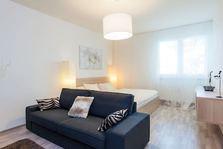 COSY CLEAN FREE WIFI FREE PARKING - Budapest - Appartement