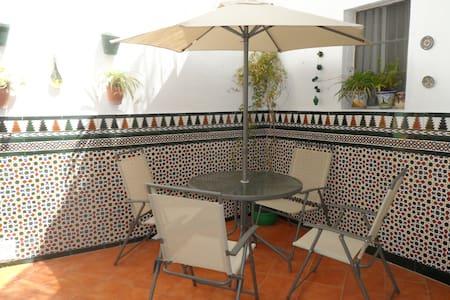 Casa en el centro de Ayamonte (RTA: VFT/HU/00030) - Ayamonte - Casa