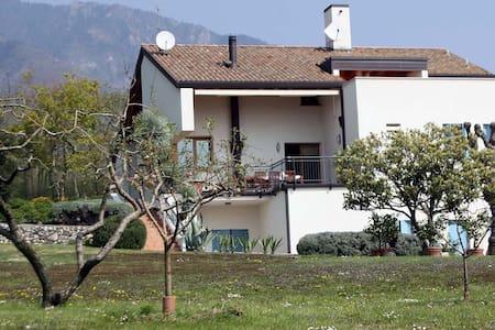 Un villa nel verde - Fuga - Hus