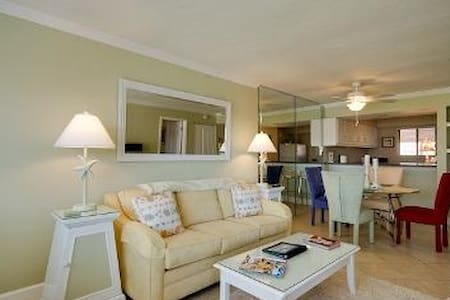 One Bedroom Condo at Runaway Bay - Condominium