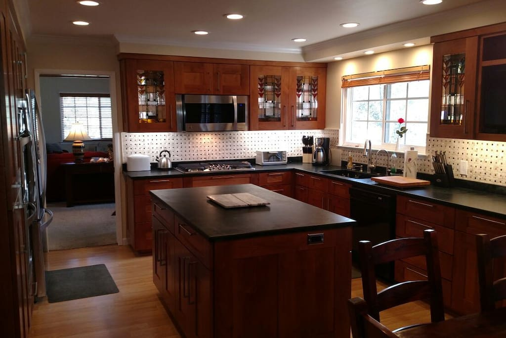 Newly remodeled fully equipped Kitchen!